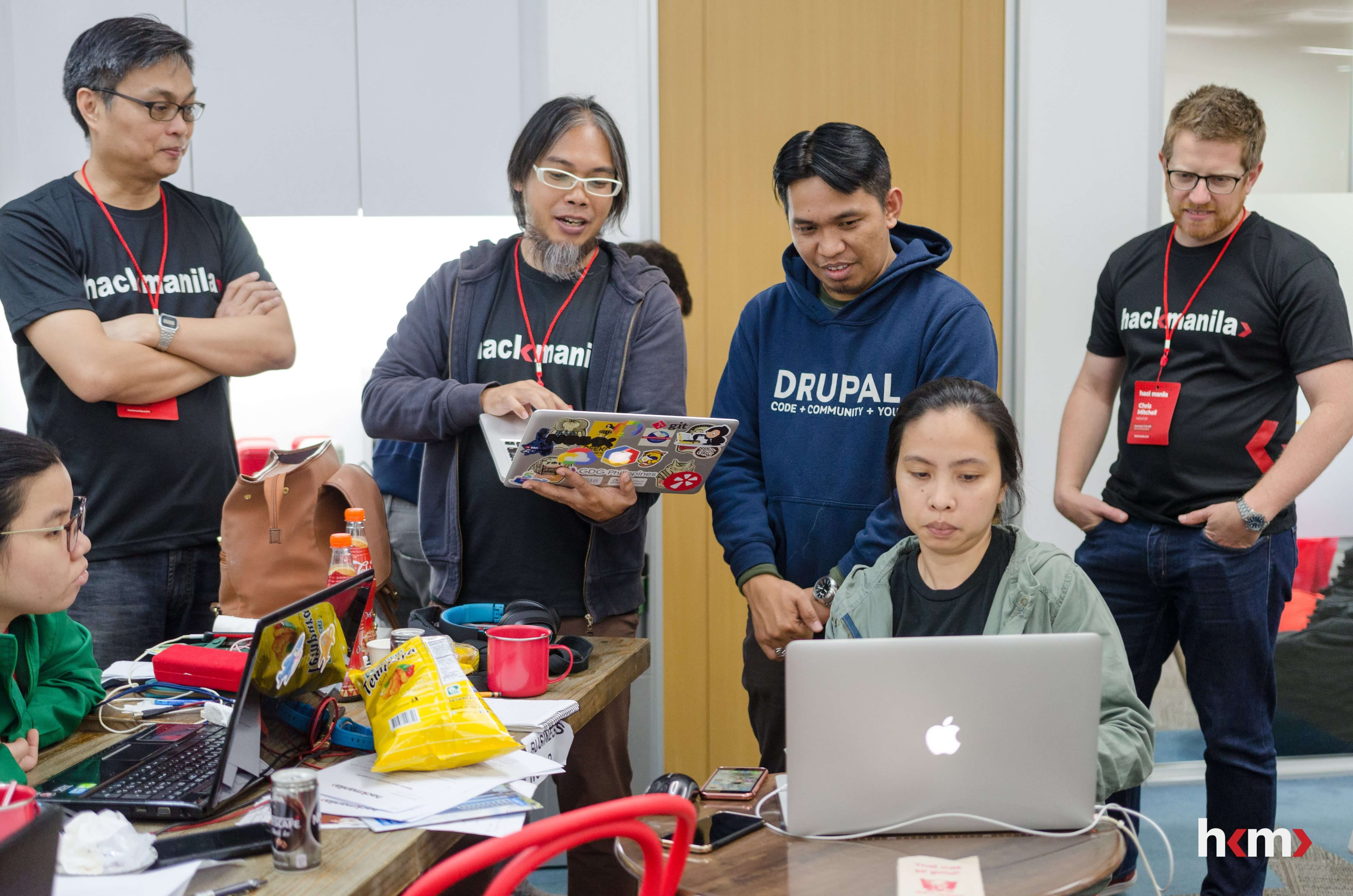 Hack Manila: GDG mentors (Ruben Canlas and Brian Tan Seng), Team Digify, and Canstar CFO Chris Mitchell